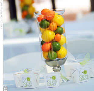 This fruit centerpiece is gorgeous and budget friendly
