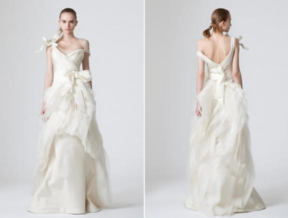 Vera wang spring 2010 wedding dresses bravobride vera wang spring 2010 oversized bows ivory wedding junglespirit