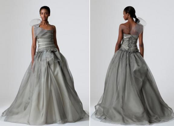 vera-wang-spring-2010-pewter-grey-wedding-dress-full-ball-gown-skirt-oversized-bow-at-shoulder