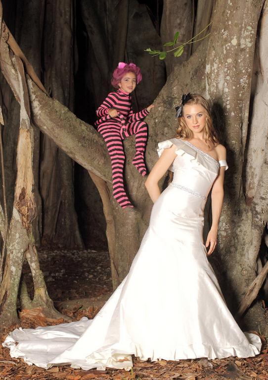 Alice In Wonderland Jorge Manuel Bravobride