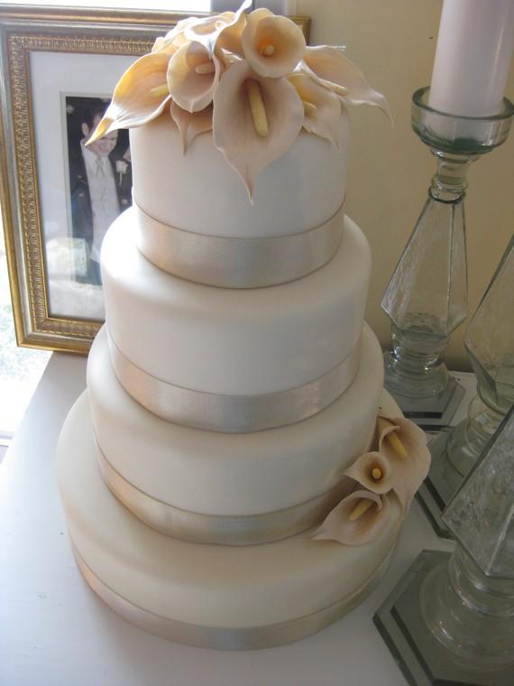 Pics Of Fake Wedding Cake With Hidden Slice