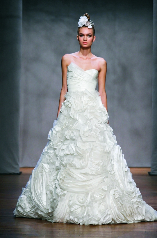 monique lhuillier wedding dresses Photo via MoniqueLhuilliercom