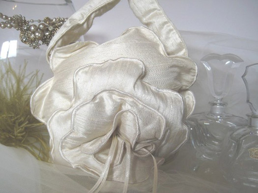 tin basket is perfect for a rustic vintage or country themed wedding