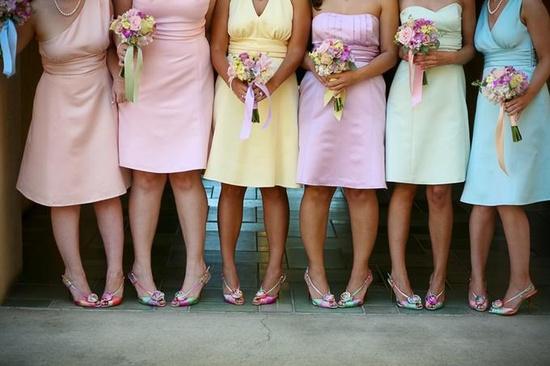 Платья пастельные цвета