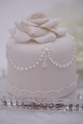 Wedding Dress Cupcake Cake 77 Amazing This is elegant edible