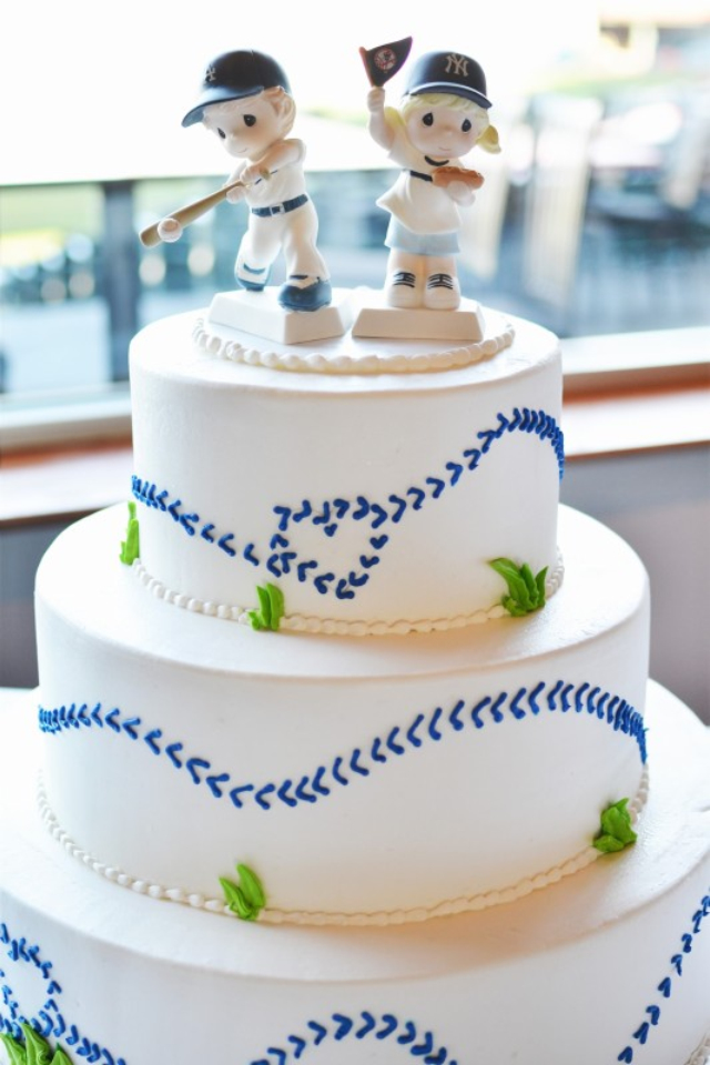Baseball theme wedding cake