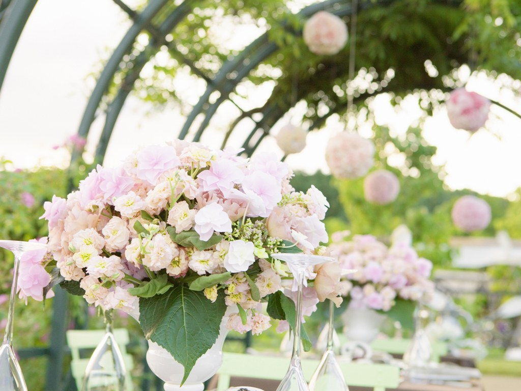 pictures of wedding flowers for outdoors