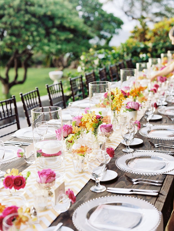 Fab finds pretty printed table runners bravobride for Pretty wedding table decorations
