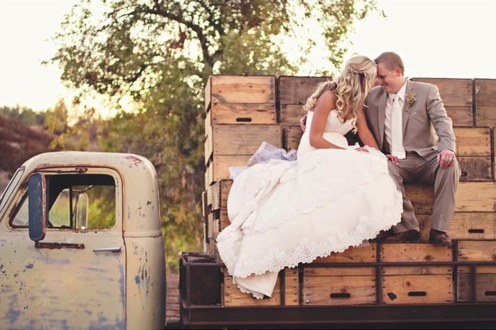 Fall Country Wedding Theme Bravobride