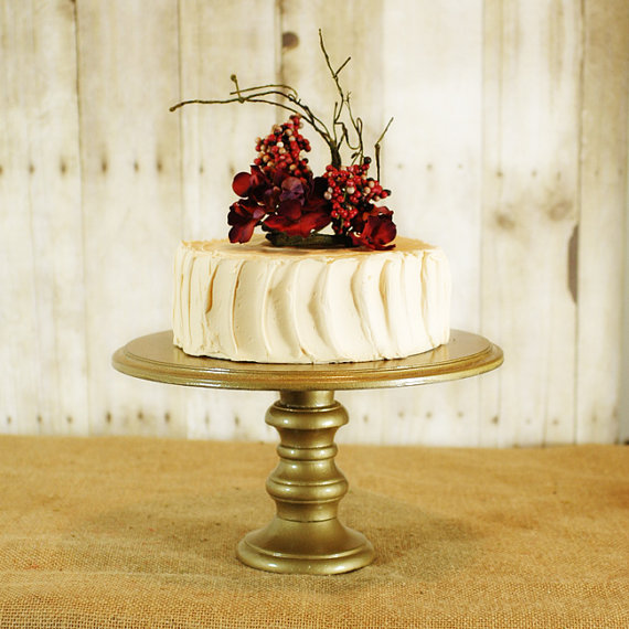 Rustic Metal Wedding Cake Stand Fab Finds Pretty Stands Bravobride