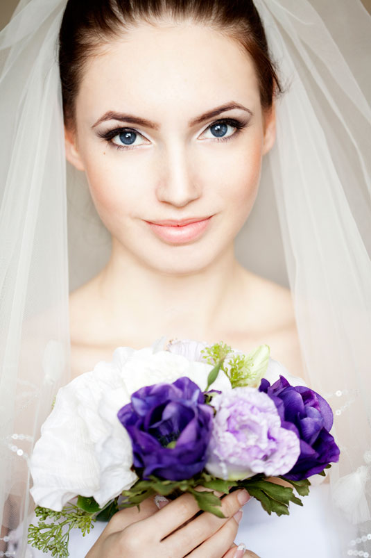 http://www.cosmopolitan.com/style-beauty/beauty/advice/a6972/gorgeous-wedding-makeup/