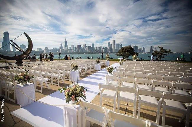 http://www.herecomestheguide.com/wedding-party-ideas/detail/12-unique-chicago-wedding-venues/