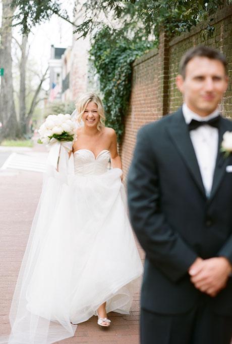 First Look Wedding Photo Ideas Abby Jiu Bravobride