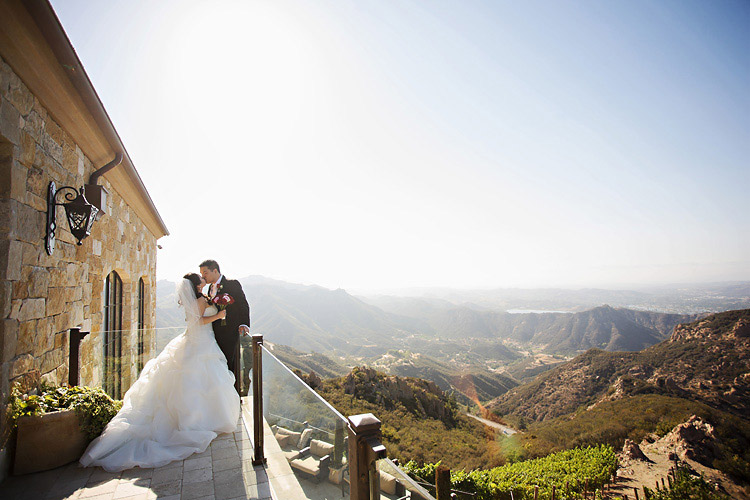 Top 10 Us Destination Wedding Ideas Malibu Rocky Oaks Estate Vineyard Joy And Alex 0009