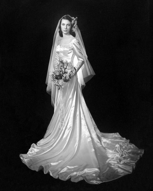 http://chicvintagebrides.com/1940s-bride/