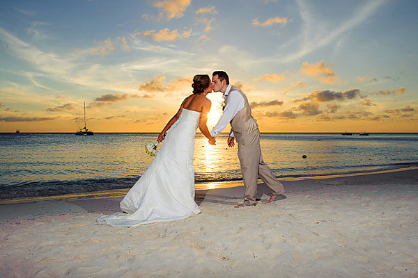 http://www.weddinglocation.com/real-weddings/lindsey-joshuas-aruba-wedding/