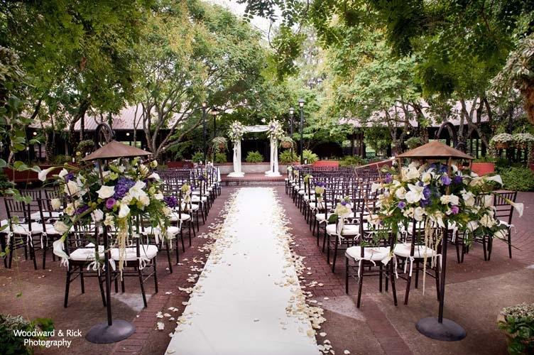 http://www.biltmore.com/groups-weddings/weddings/photo-gallery