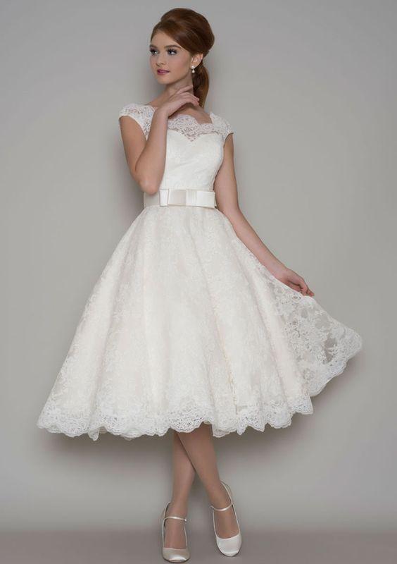 Back to the Basics: Wedding Gowns | BravoBride