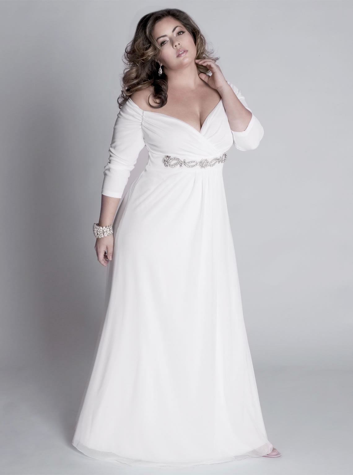 Top designers for plus size wedding dresses bravobride for Plus size wedding dress designers