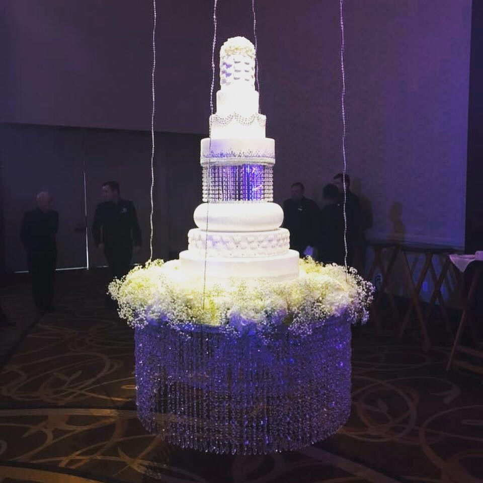 9 Tier Beautiful Wedding Cake! Ready To Dazzle Your Event!