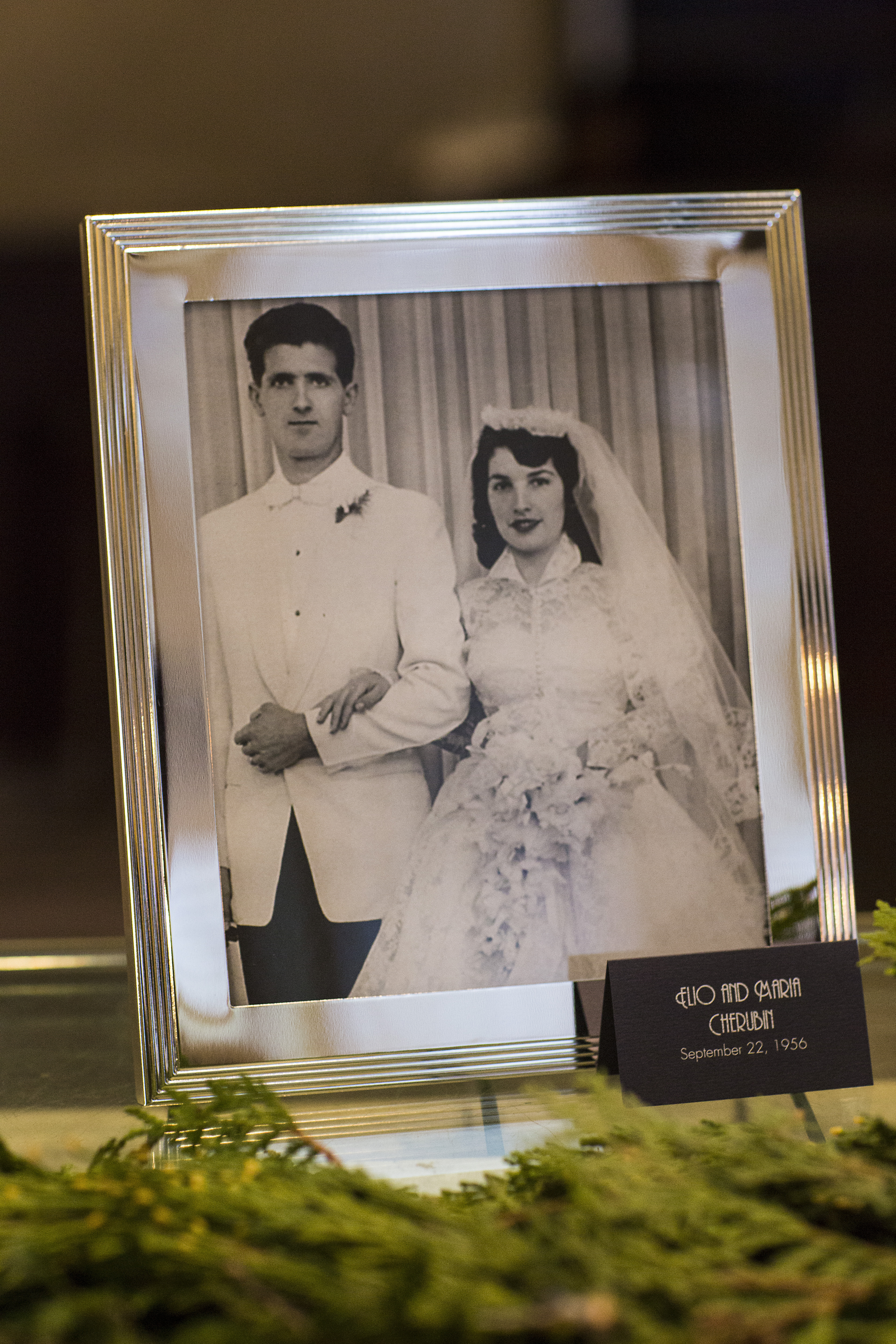Silver 8x10 Picture Frames Quantity  - 7