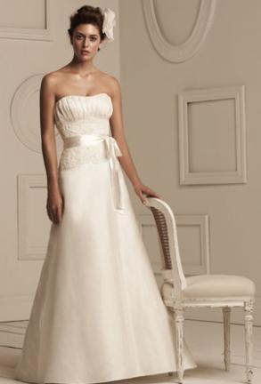 Paloma Blanca Discounting Wedding Gown Style #3851