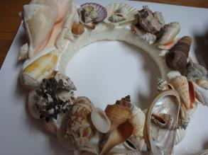 3 Handmade Seashell Wreaths & Basket Of Shells - ABSOLUTELY GORGEOUS!!!