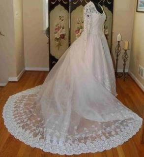 Brand New Bonny Bridal Long Sleeved Lace White Wedding Dress Long Train Size 12