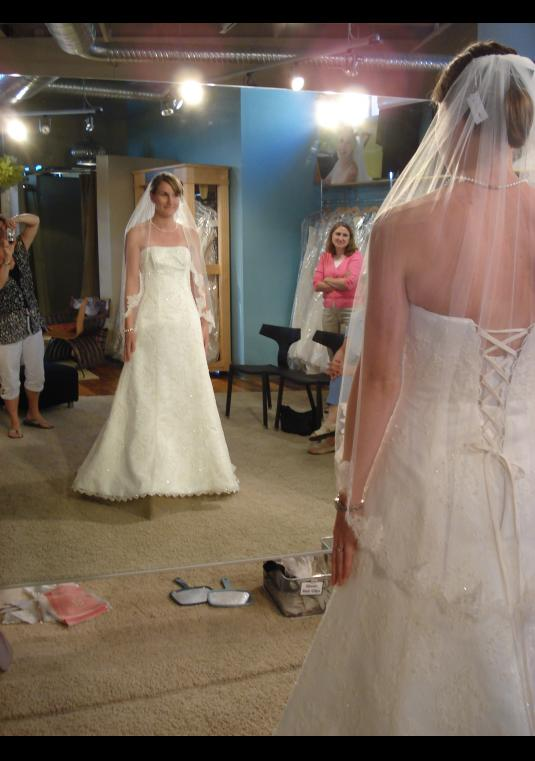 Sell Used Wedding Dresses For Free   Buy & Sell Used Wedding Gowns ...