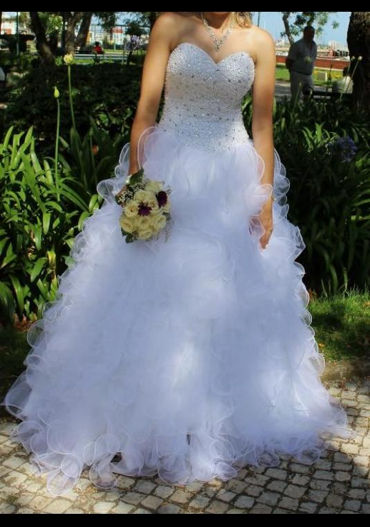 White Bridal Gown Sweetheart Pearls And Sequins Neckline