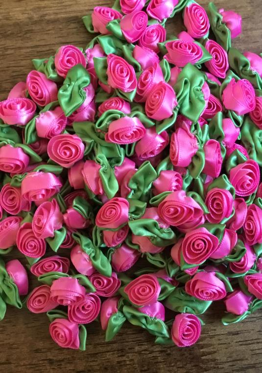 Small Ribbon Roses For Tossing (for Venues Who Don�t Allow Real Petals)