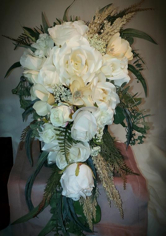 Gorgeous 4 Pc Wedding Bouquet Set Ivory/cream
