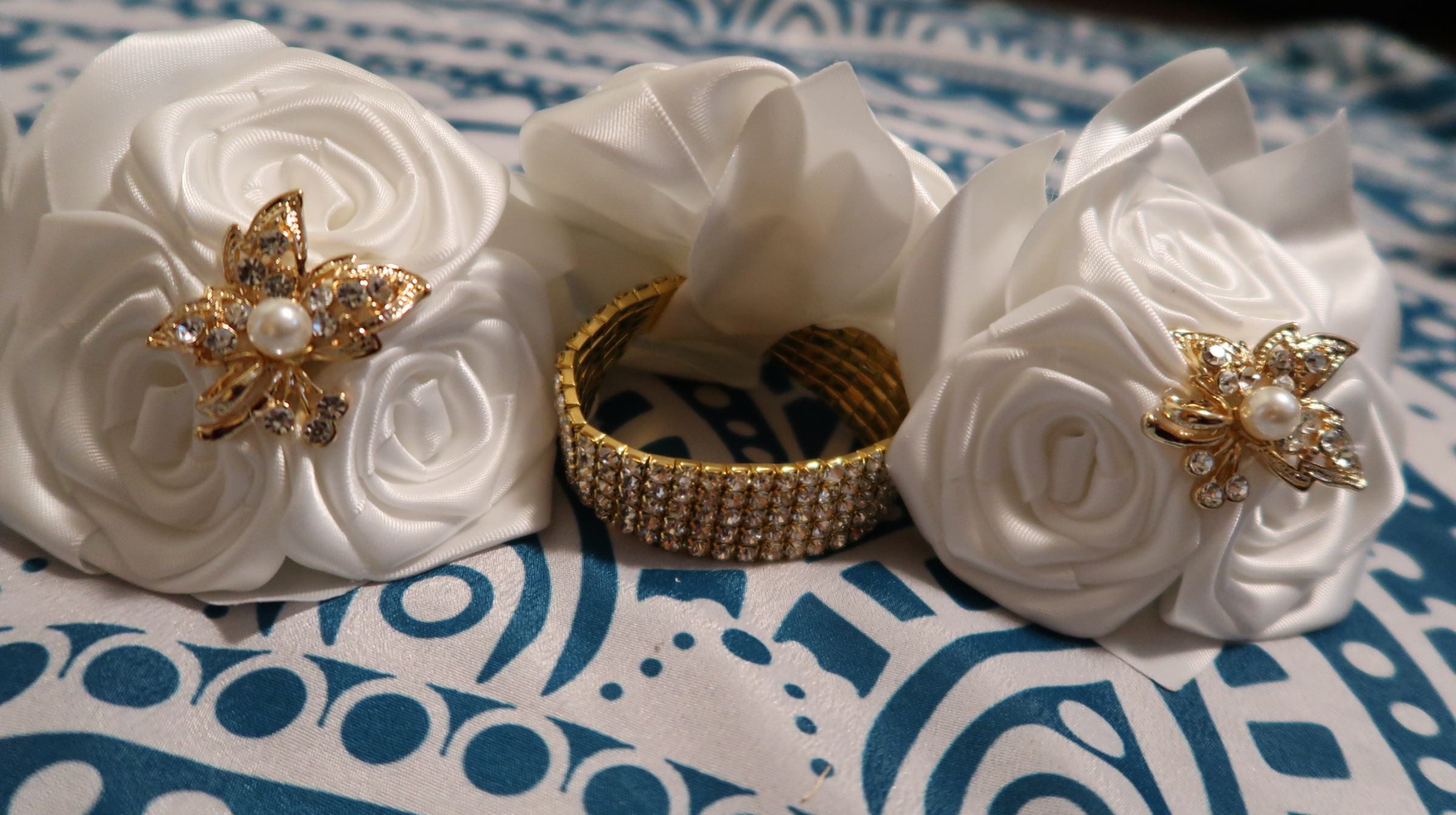 Ivory Silk, Gold & Pearl Bridesmaid Flower Wrist Corsage X3