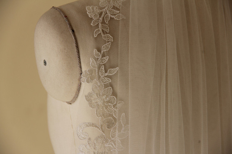 Soft Tulle And Lace Veil (new)
