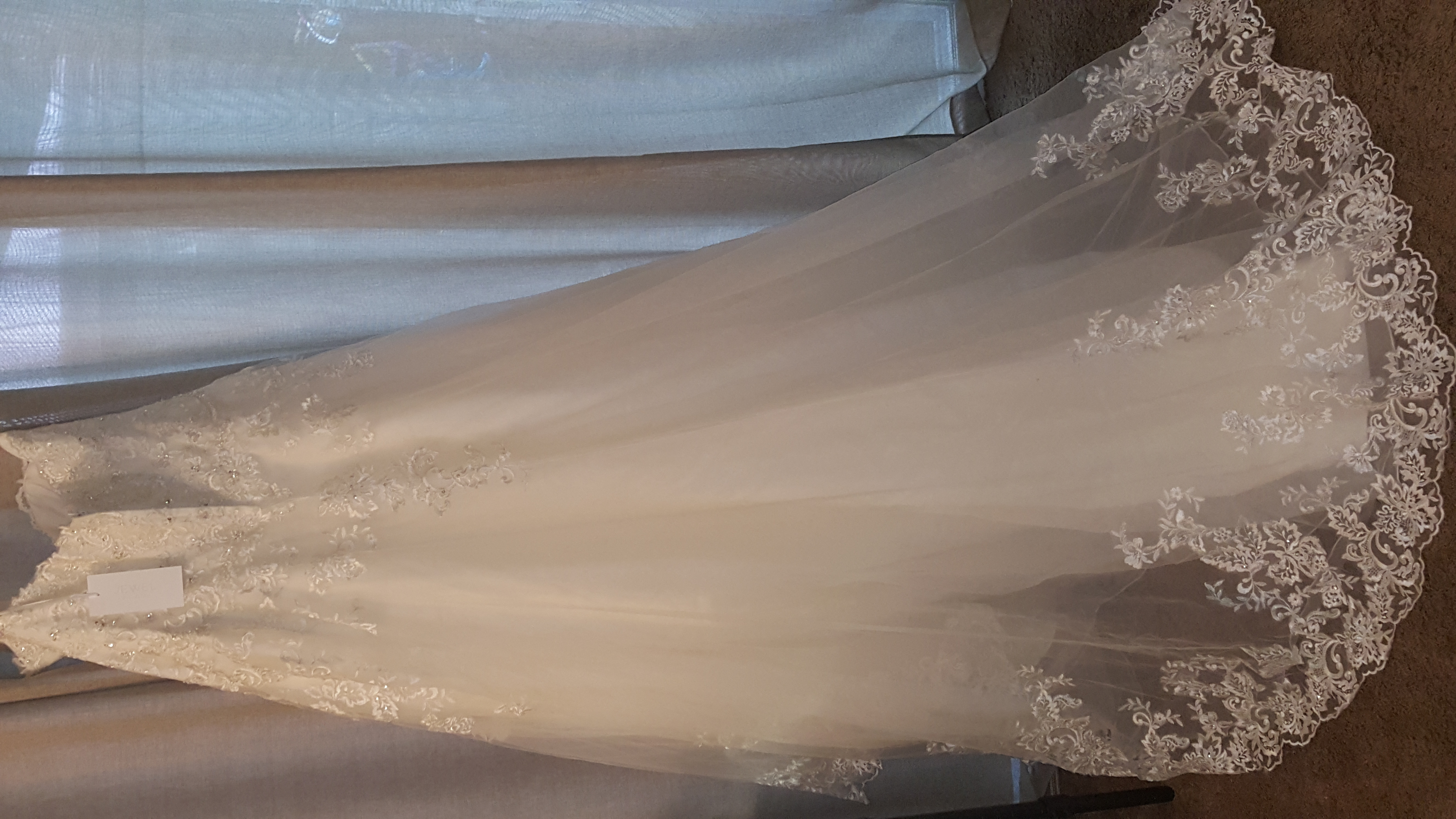 Brand New-Ivory Tulle Wedding Gown with tags