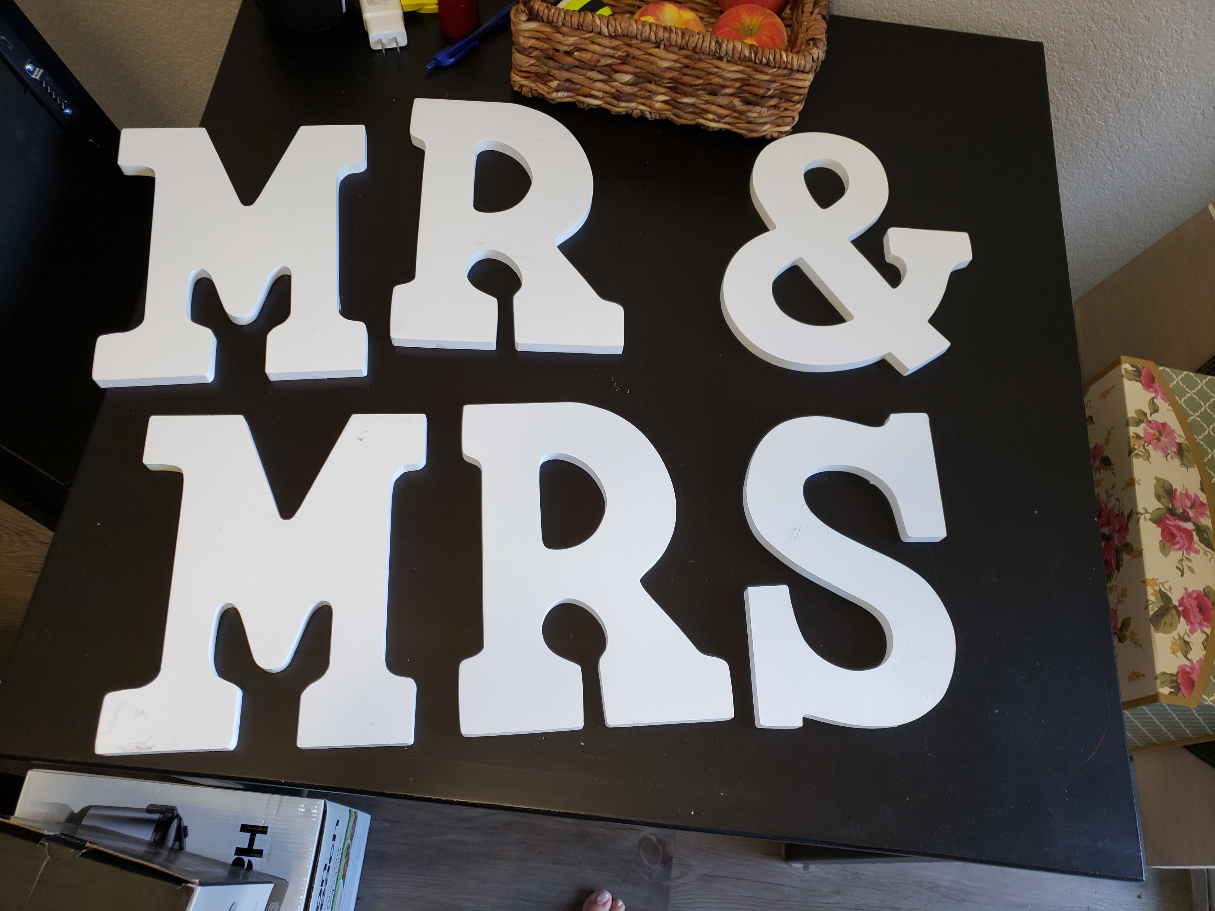 Mr & Mrs White Wood Letters