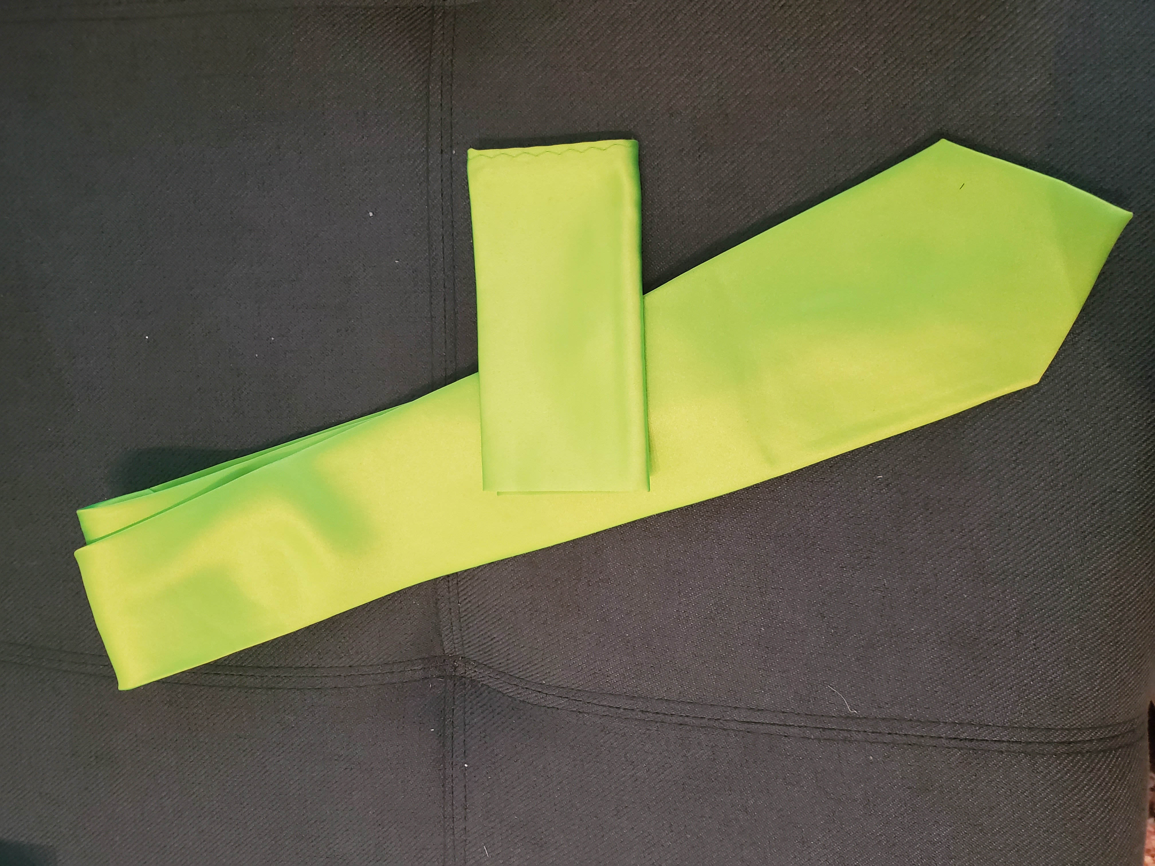 Lime/neon Green Neck Tie And Pocket Square