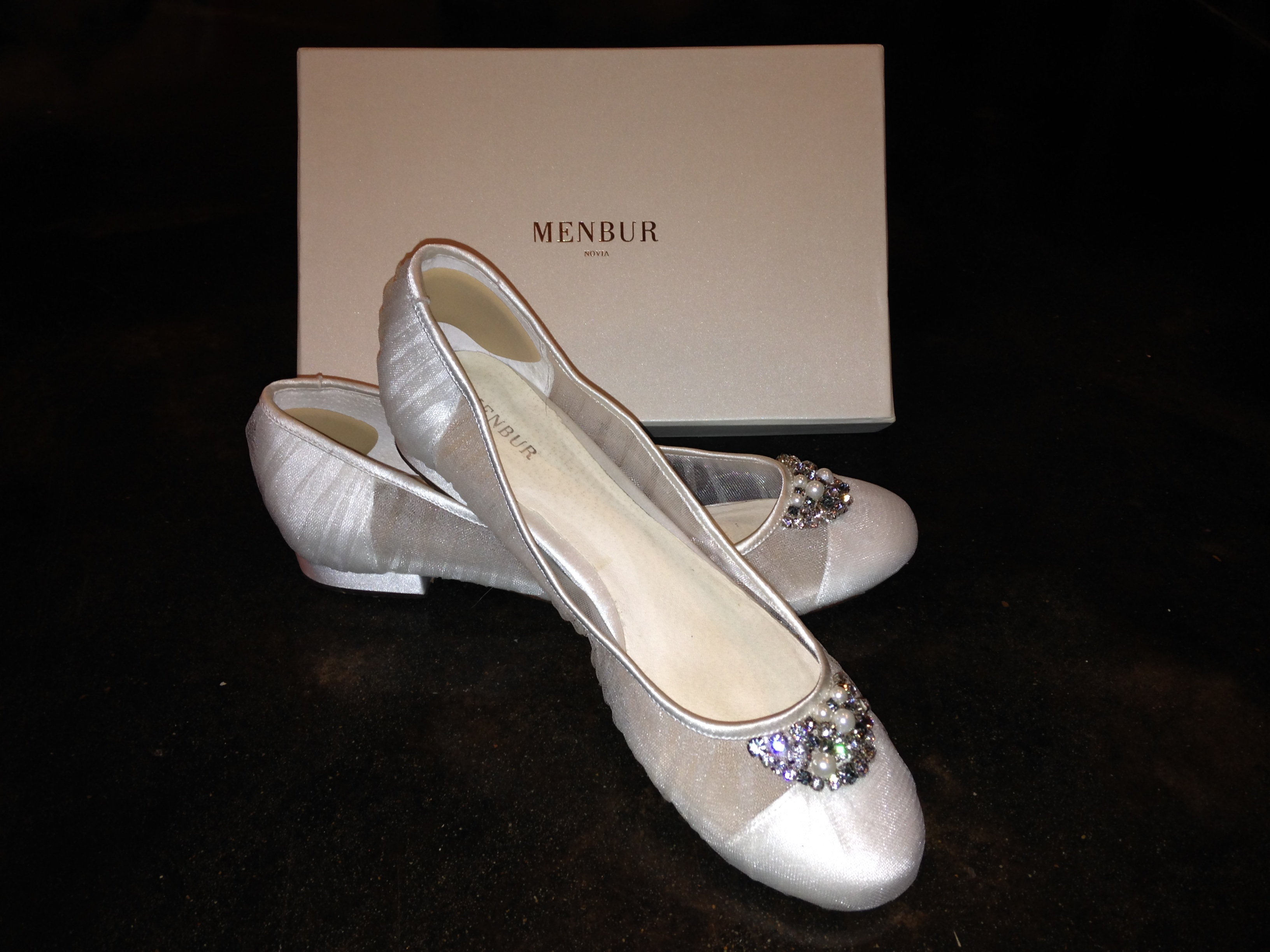 Menbur Frida Beaded Wedding Shoes. Size 11