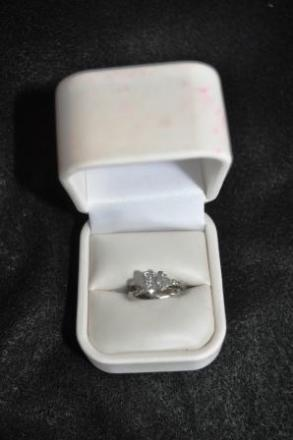 Ladies Platinum Diamond Wedding Set