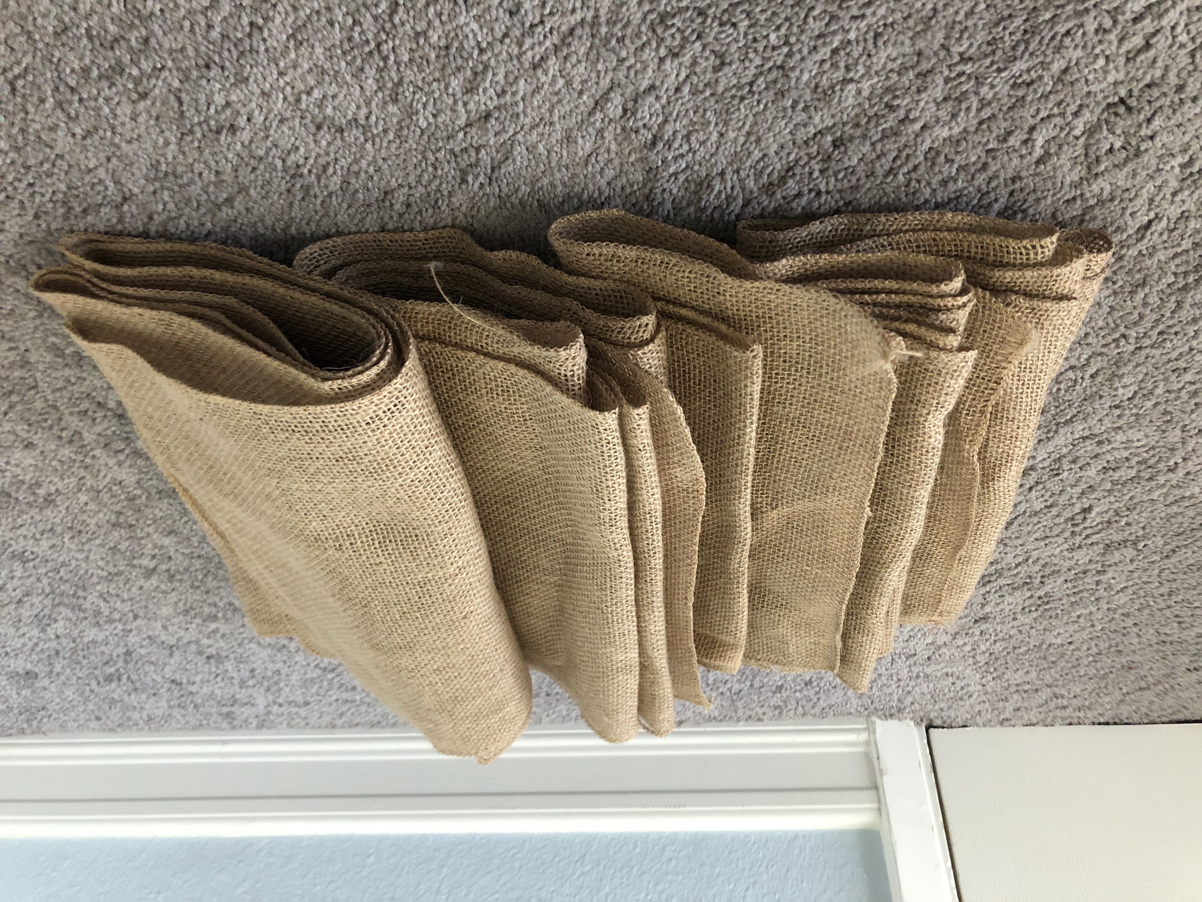 Set Of 5 Burlap Table Runners