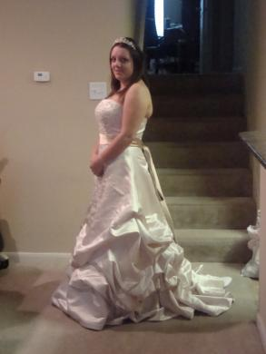 Oleg cassini wedding dress size 12 bridal gown bravobride oleg cassini wedding dress junglespirit Gallery