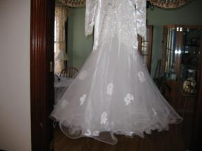 Bonny - Bridal Gown & Train