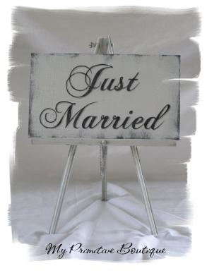 Shabby Chic Cottage Weddign Sign ~ Just Married
