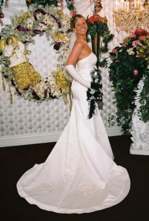 David\'s Bridal - David\'s Bridal Wedding Dress Style: V9322 | Size ...