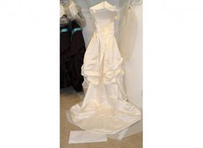 Oleg Cassini Wedding Dress, Veil And Slip