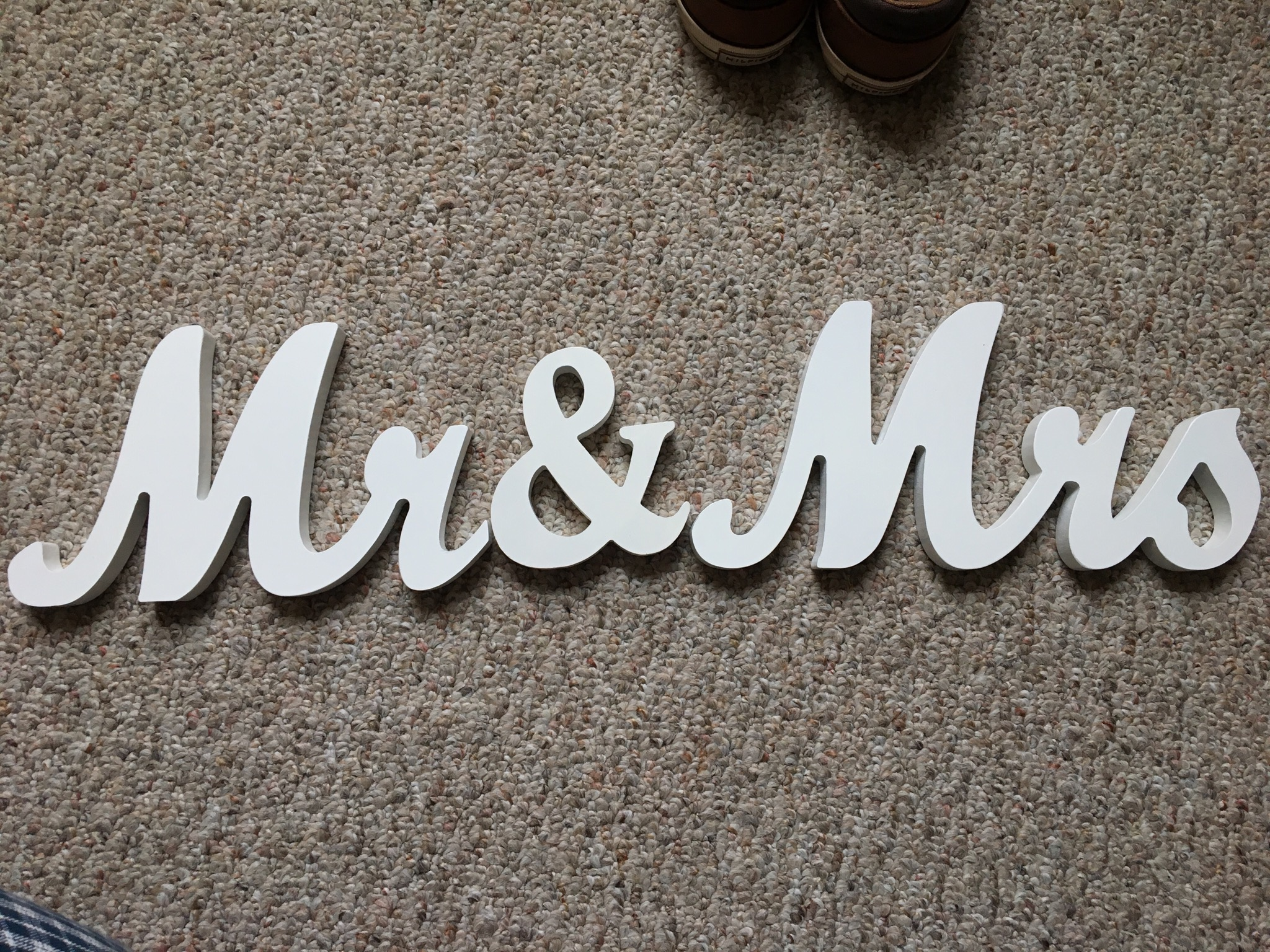 White �mr & Mrs� Standing Signs