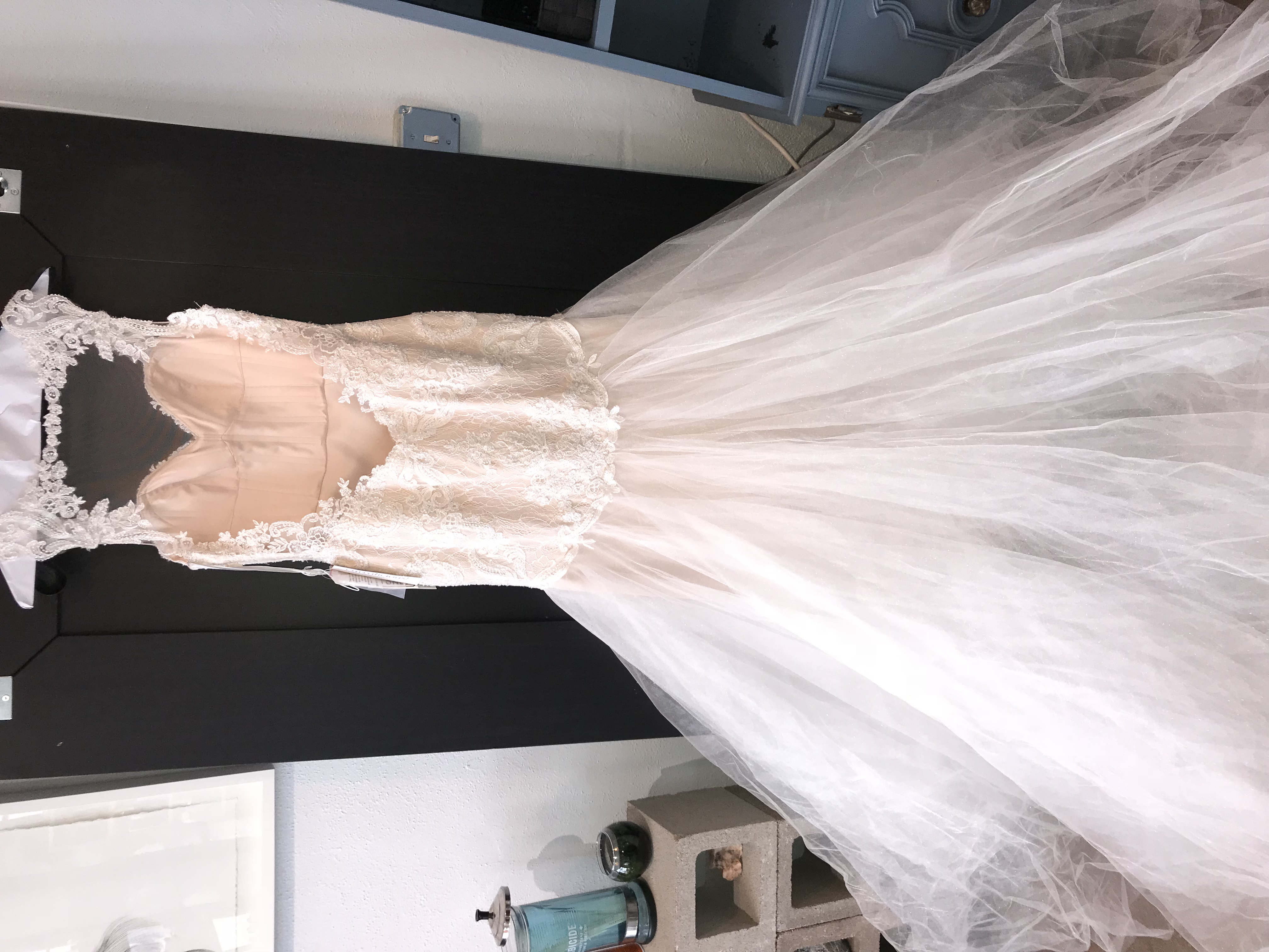 Beautiful Unworn Wedding Gown
