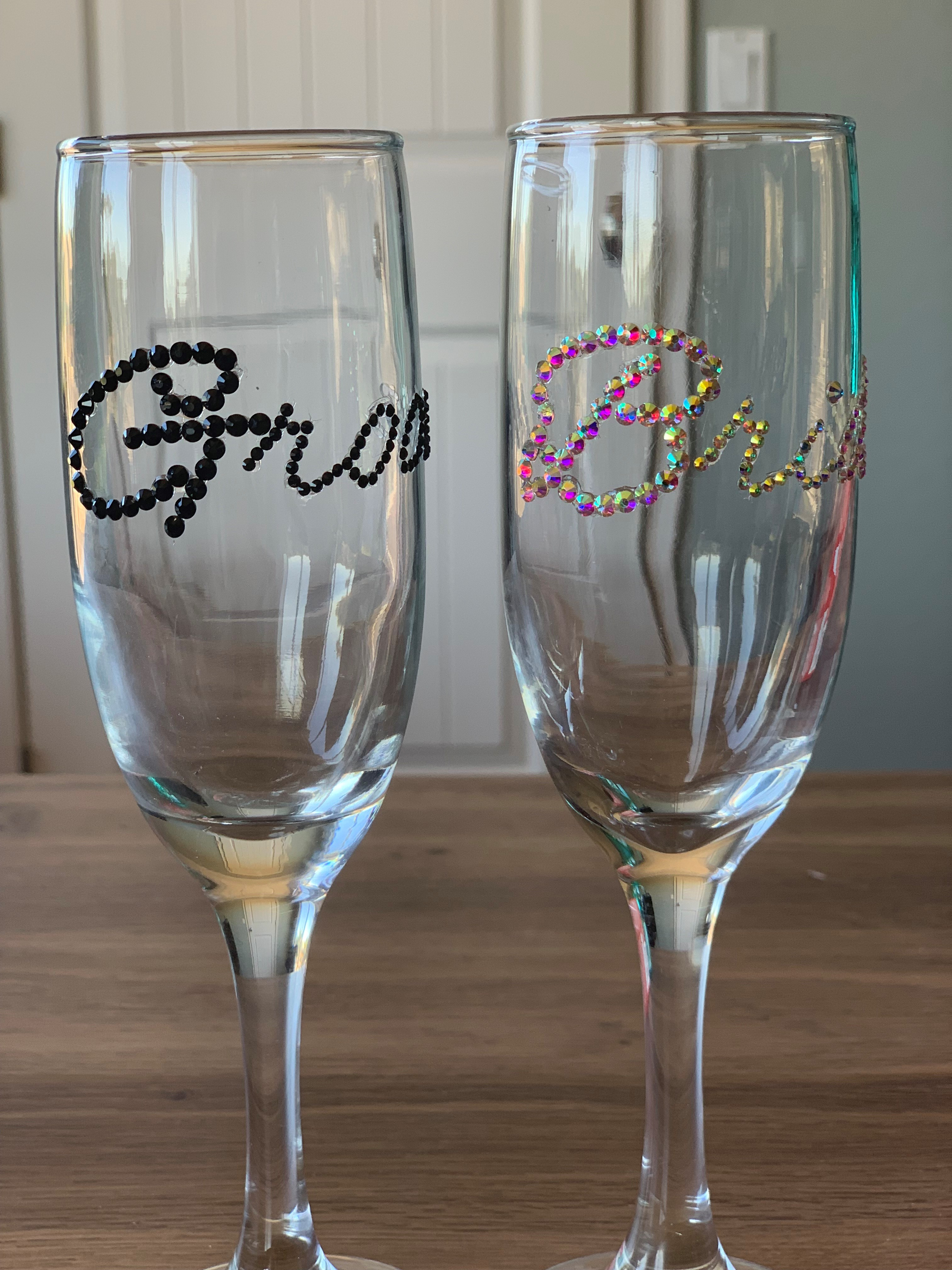 Bride And Groom Champagne Flutes With Glass Rhinestone