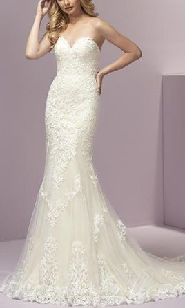 Private Label 18609ivory Lace Wedding Dress
