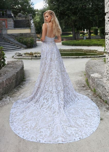 10550 - New With Tags Gorgeous Ashley & Justin Wedding Dress